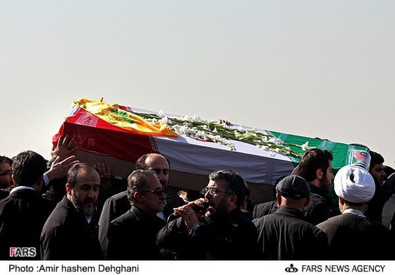 Hezbollah-flag-Shateri-coffin.jpg