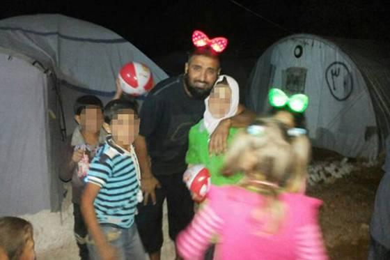 Abdul-Waheed-Majeed-kiddies.jpg