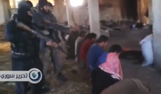 Russian-jihadists-execute-Syrians-032014.png