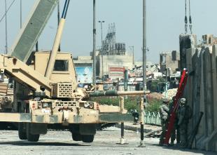 Sadr-city-barrier-teams-05082008.jpg