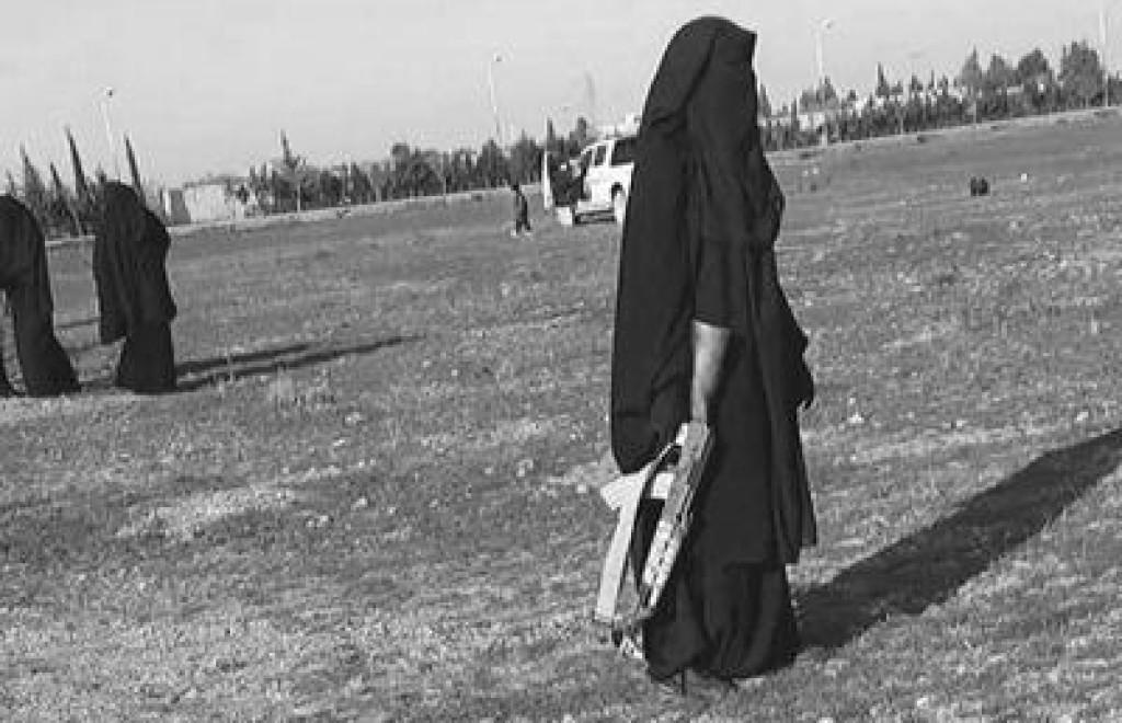 Islamic State's female jihadists use social media to lure ...
