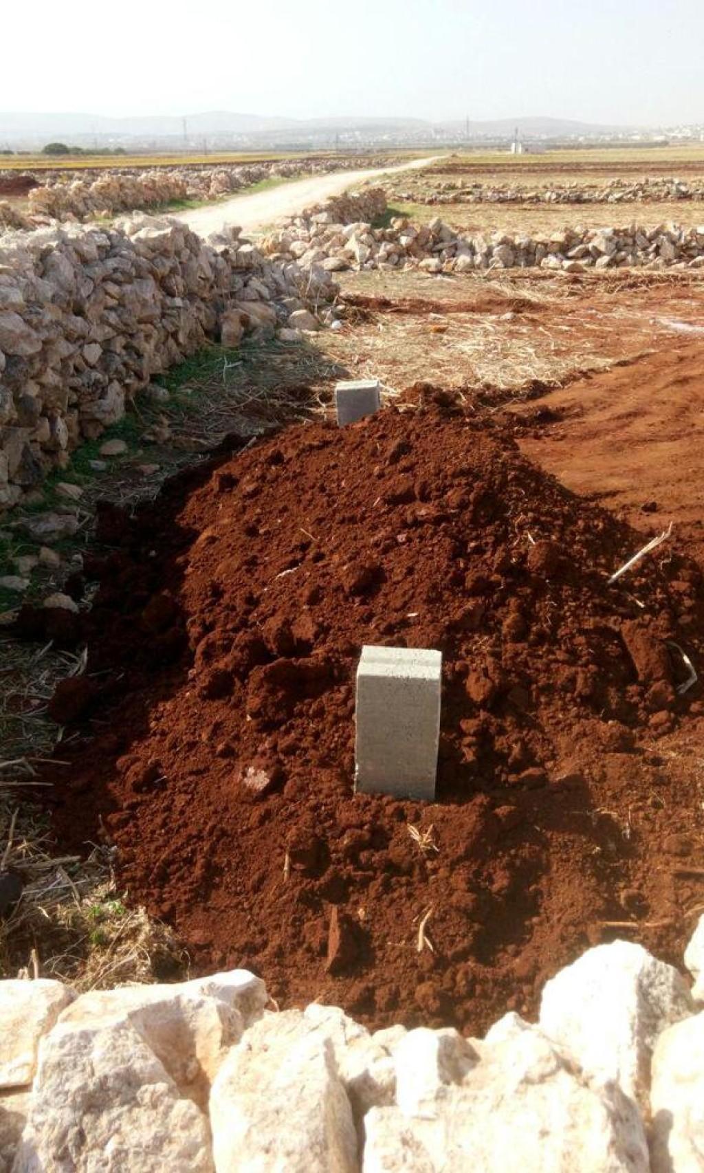 15-10-15 Sanafi al Nasr's grave
