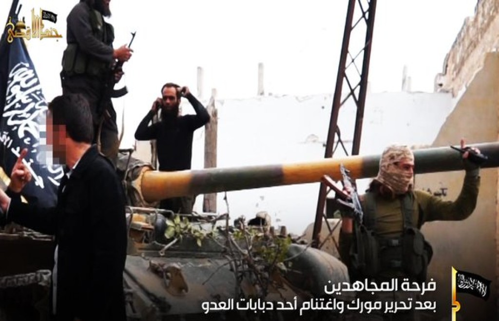 15-11-05 Jund al Aqsa with captured tank in Morek
